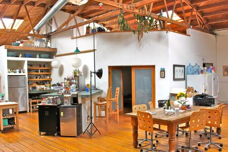 SHARE HUGE LOFT / STUDIO -- C LOFT - Los Angeles - Loft