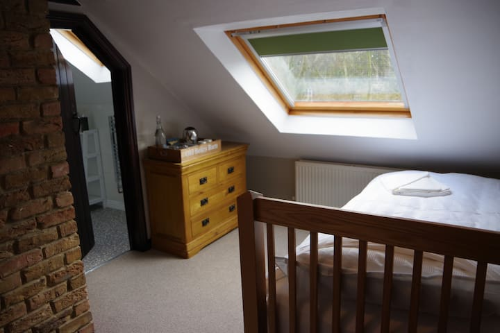 Twin Room, Old Bears Barn, Lealholmside