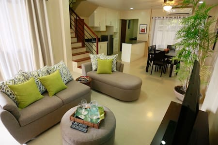 Marina Residences Unit # 1 - Dumaguete - Apartment