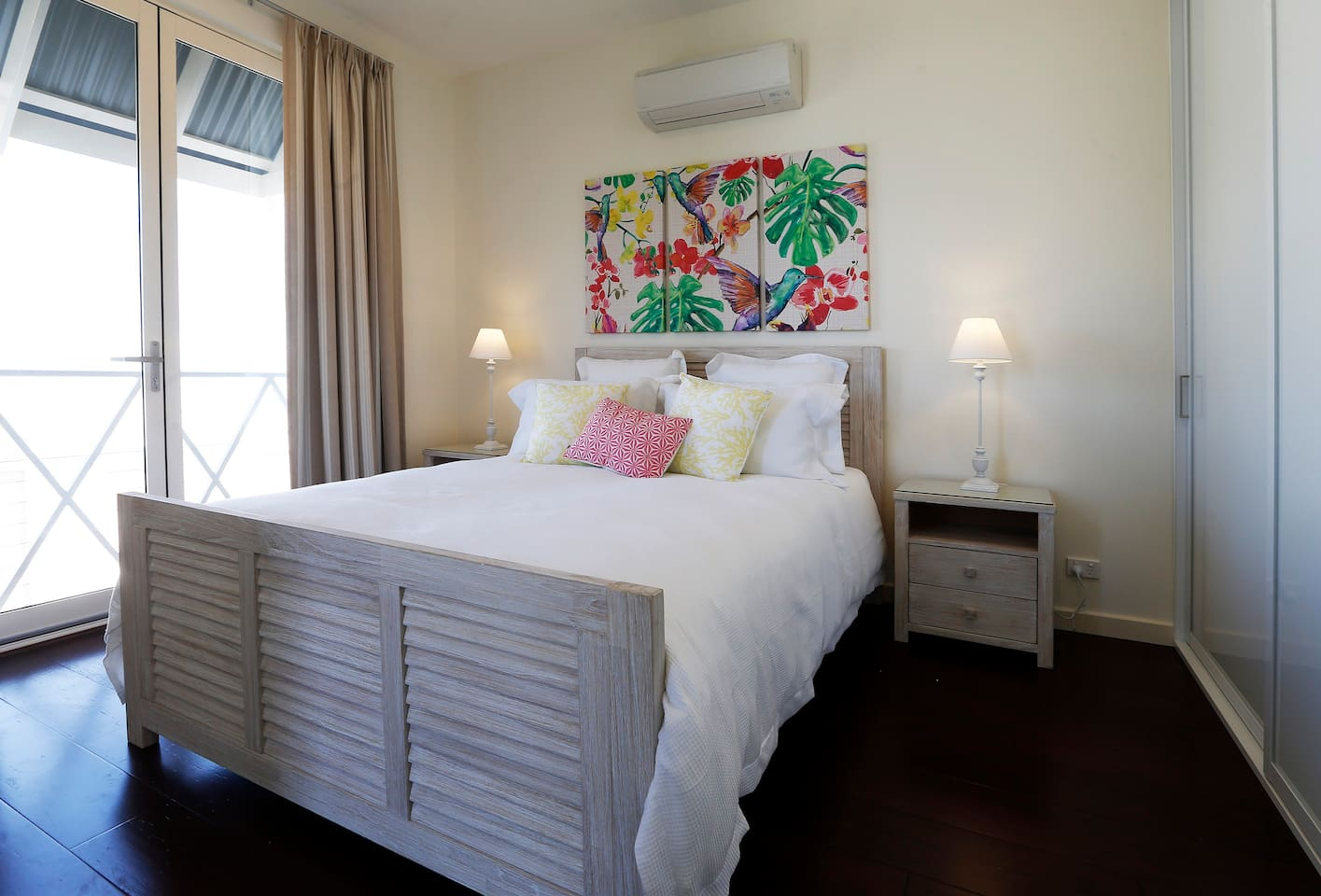 Upstairs bedroom with view of the beautiful Willunga Hills and ensuite facilities