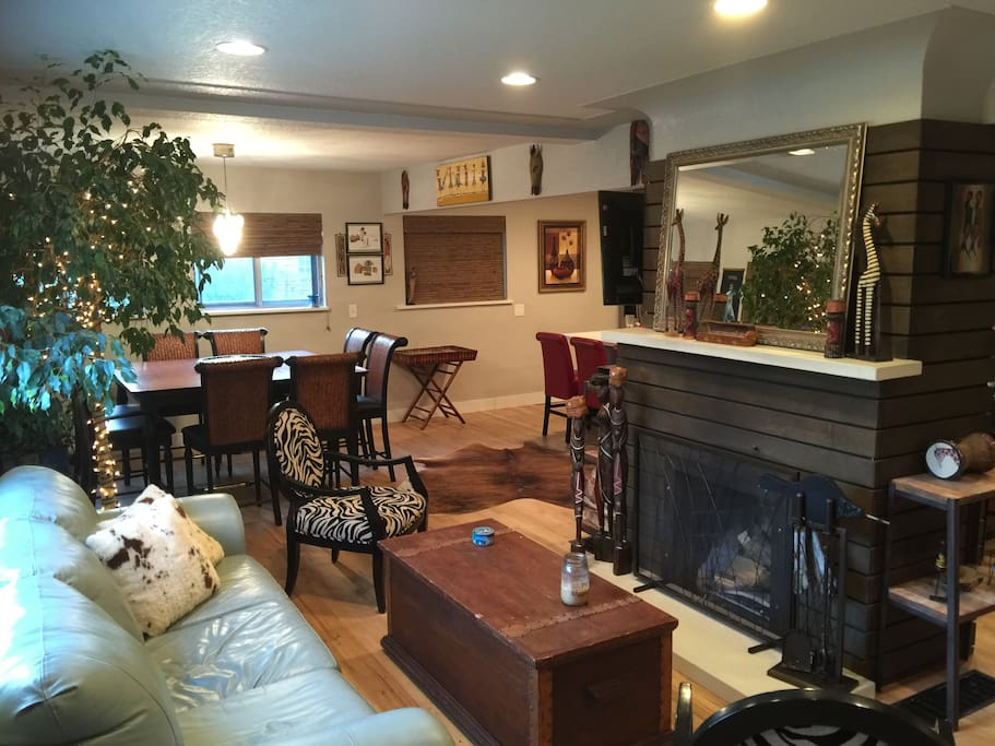 Living room/dining room/fireplace
