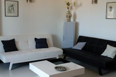 5 mn to Piazza with his shows,terrace sea view - Pula - Apartmen