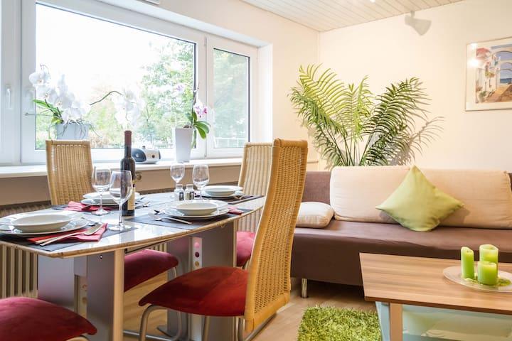 Moderne Wohnung mit Wintergarten und Klimaanlage