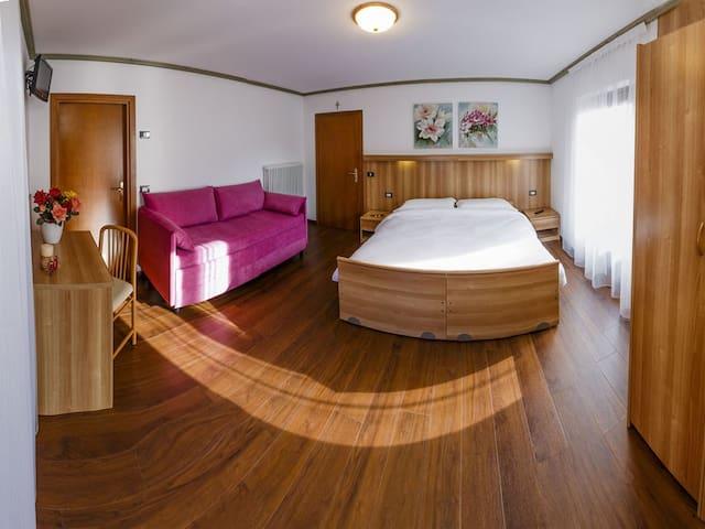 Stanza Doppia spaziosa a Pinzolo - Pinzolo - Bed & Breakfast