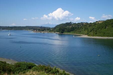 Hotel y Cabañas Isla Tenglo