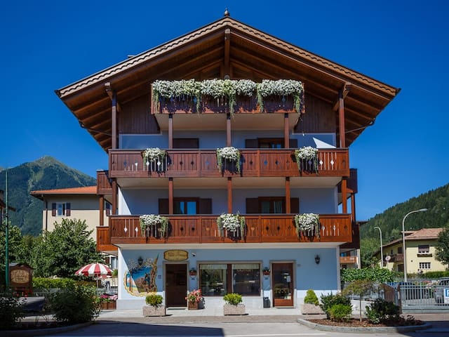 Room for seven people in Pinzolo