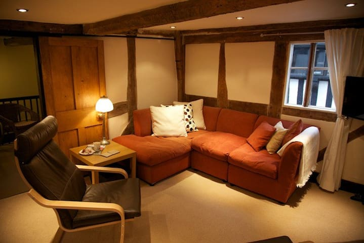 Mrs Muffin's Holiday Apartment - Ledbury - Flat