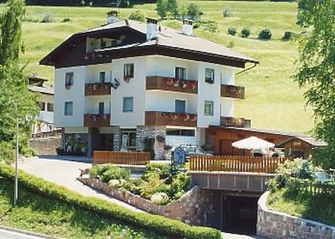 Amazing apt in Dolomites, Moena - Moena - Pis