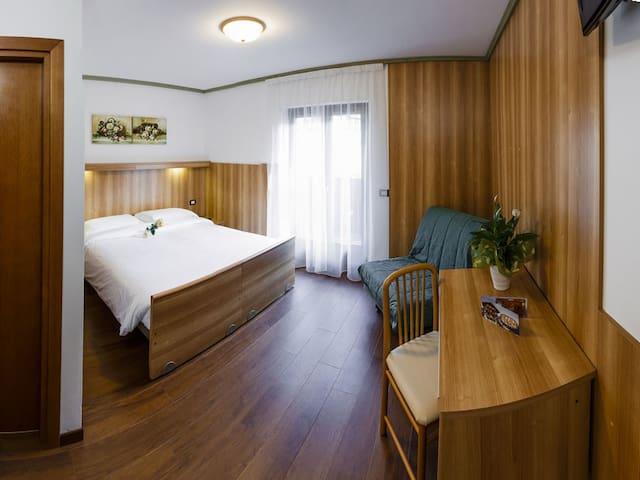Accogliente stanza tripla a Pinzolo - Pinzolo - Bed & Breakfast