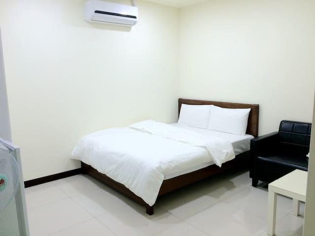 #01 MRT 10mins WiFi Private Bathroom - 新北市 - Appartamento