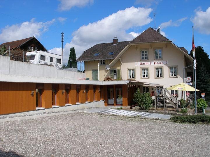 Dachstudio im Dorf