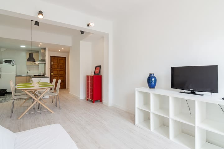 Suncity Alonso de Palencia Apart I - Málaga - Apartment