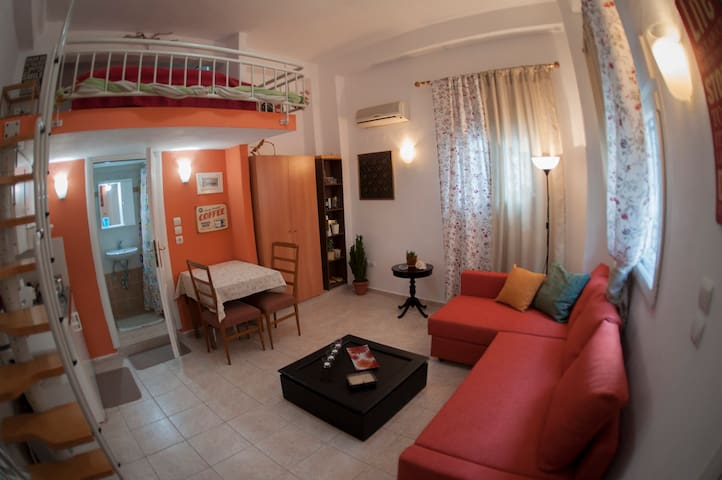 Cozy studio in the City Center - Agios Pavlos - Casa
