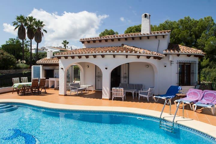 Casa Miramar, basseng og sjøutsikt - Pego