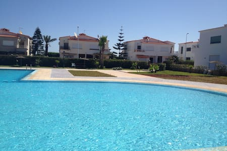 Villa de luxe avec piscine et plage - El Mansouria