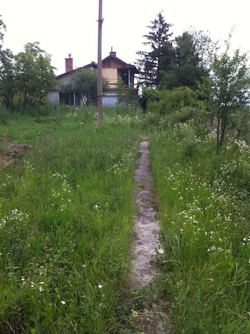 House in Buzovgrad, land of Rouses - Buzovgrad - Maison
