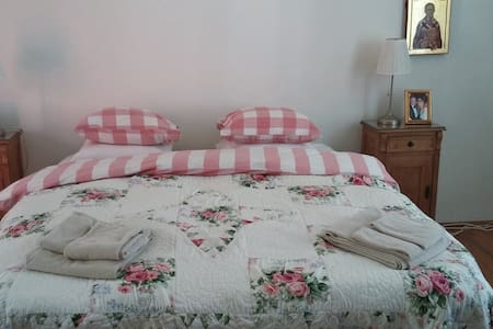 """Nicolae"" Double Room with private bathroom - Turda"
