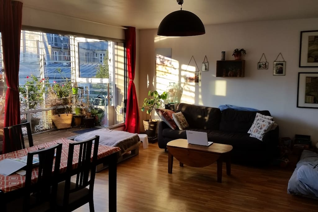 Un nid sur le canal bassin paris 19 appartements louer - Nid rouge lincroyable appartement paris ...