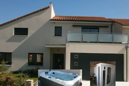 2 chambres dans maison récente avec sauna  et spa - Beaumont - Dom