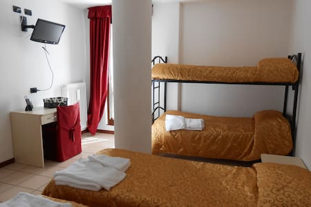 Comfortable Room Marilleva - Mezzana - Bed & Breakfast