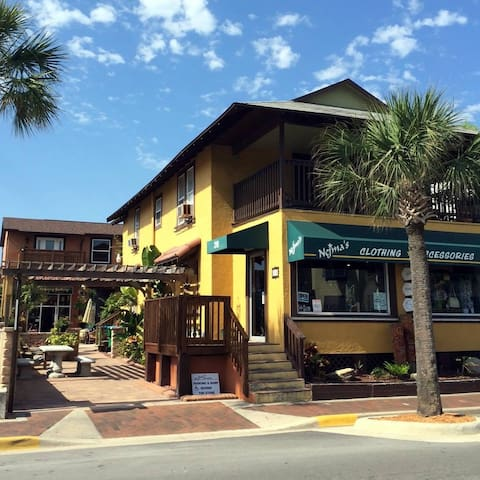 Nejma's at Flagler Jessamine Center I - New Smyrna Beach - Lejlighed