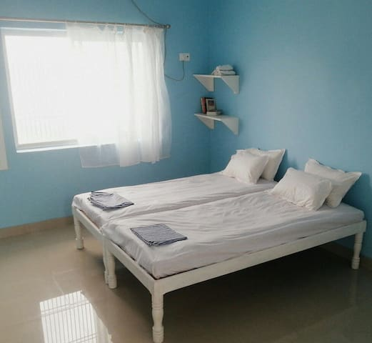 Beneras Yoga House - Varanasi - Bed & Breakfast