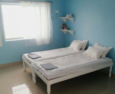 Beneras Yoga House - Varanasi - Bed & Breakfast