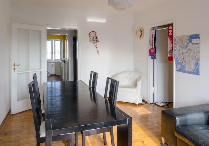 Very central location, 2 rooms-flat and kitchen - München - Appartement