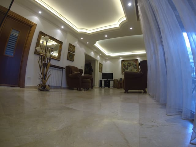 Residence 1111-Fabulous family home - Mansouriyeh - Apartment