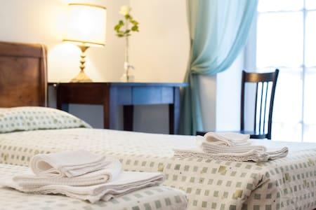 B&B Volano (TN) | 3 Beds - Bed & Breakfast