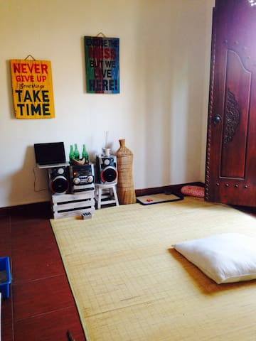 one room for rent for chill peeps - bali - Hus