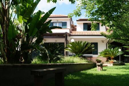 Villa bifamiliare con piscina. - Canne - Villa - 2