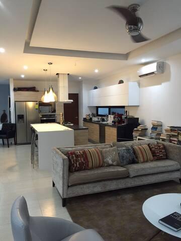 3-Story, 3 BR, New Villa with Pool - Cancún - Villa