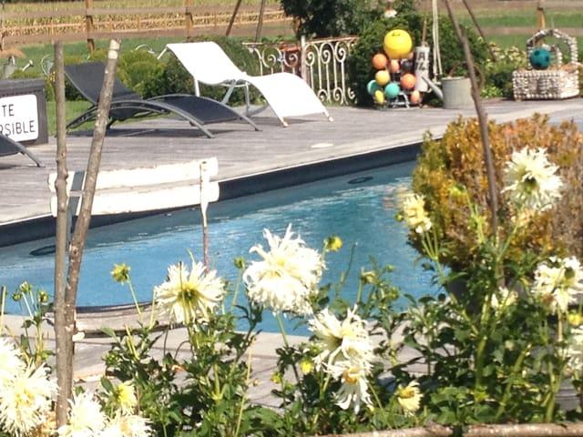 Maison de charme en basses vallées - Soulaire-et-Bourg - Casa