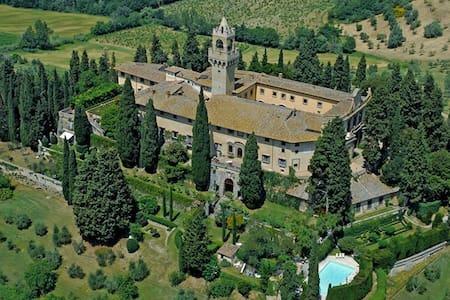 APPARTAMENTO 2/4 POSTI IN CASTELLO - Montespertoli - 성