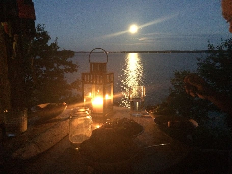 Dinner by the light of the moon