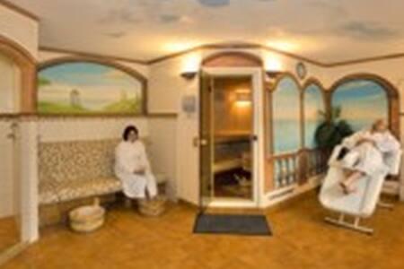 Hotel Bohlenblick - Saalfeld/Saale - Bed & Breakfast - 2