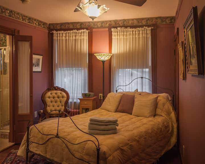 Etta Mae Inn B&B - The Kiera room