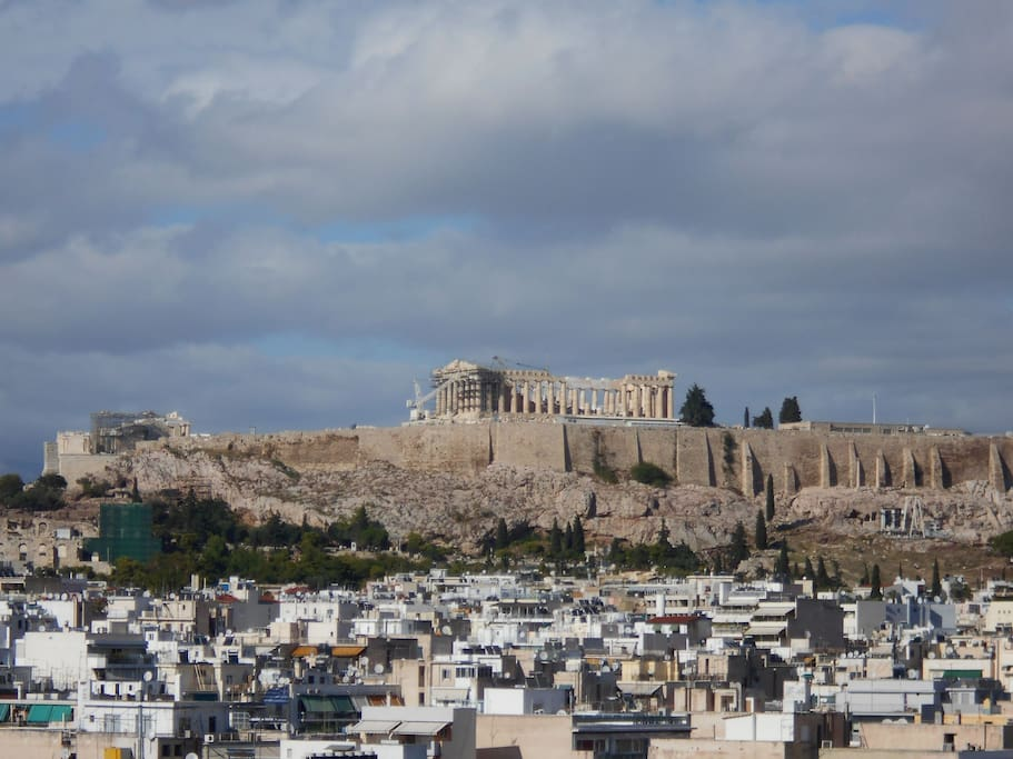 Acropolis view from the flat. The Parthenon temple is clearly visible and is even better with naked eyes!