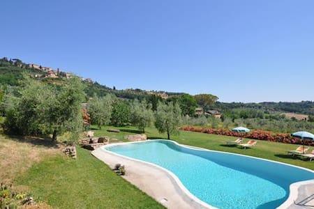 Vacation home in Montepulciano - Montepulciano - Andere