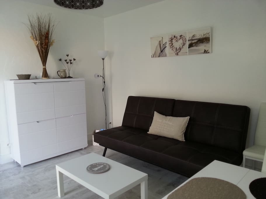 t2 surjardin piscine parking chaume maisons louer les sables d 39 olonne pays de la loire. Black Bedroom Furniture Sets. Home Design Ideas