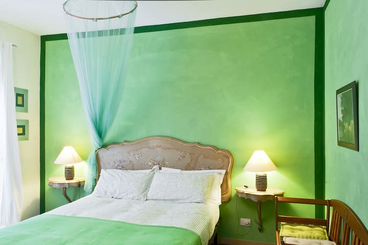 The beatiful green room - Asti - Bed & Breakfast
