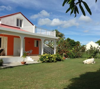 PEACEFUL VILLA EFY,