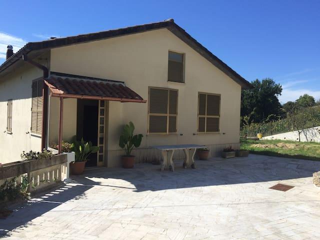 casa confortevole a 40 km da Roma - Montopoli di Sabina - Rumah