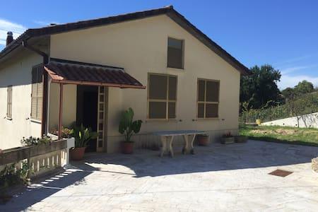 casa confortevole a 40 km da Roma - Montopoli di Sabina - Casa
