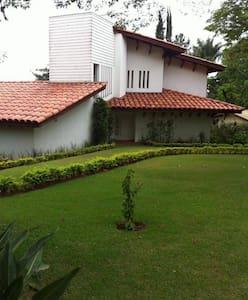 Casa em Terras de São José