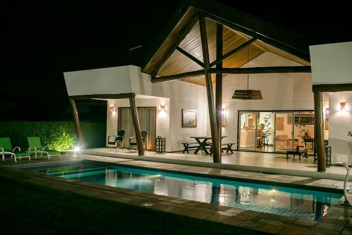 Casa Mata Atlantica - with pool - Pipa Beach - บ้าน