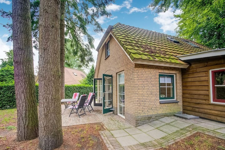 Lovely Holiday Home in Lunteren near Forest