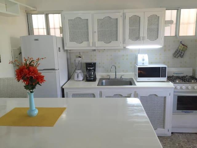 Recently renovated 2 bed apartment - Sosúa - Apartmen