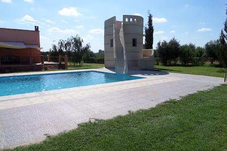 Villa avec piscine et toboggan - Marrakech